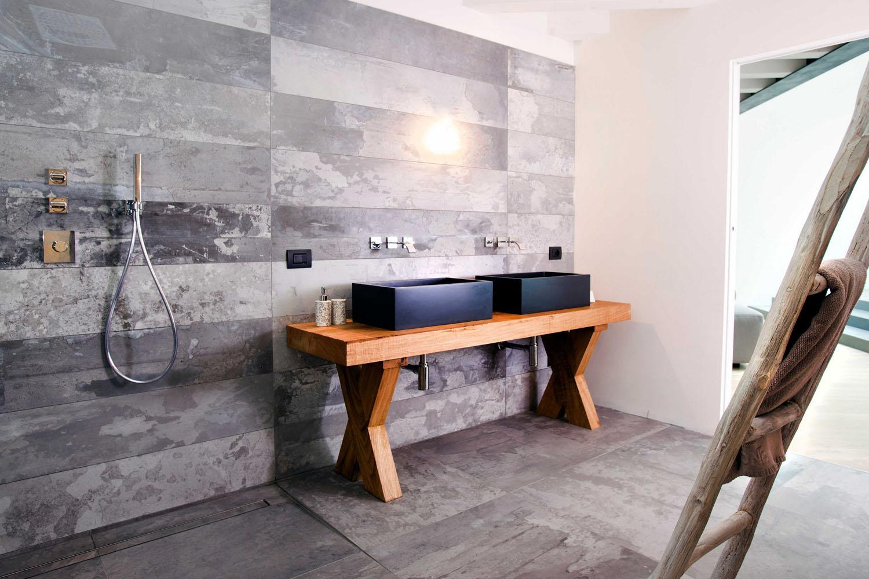 Интерьер ванной комнаты в стиле лофт