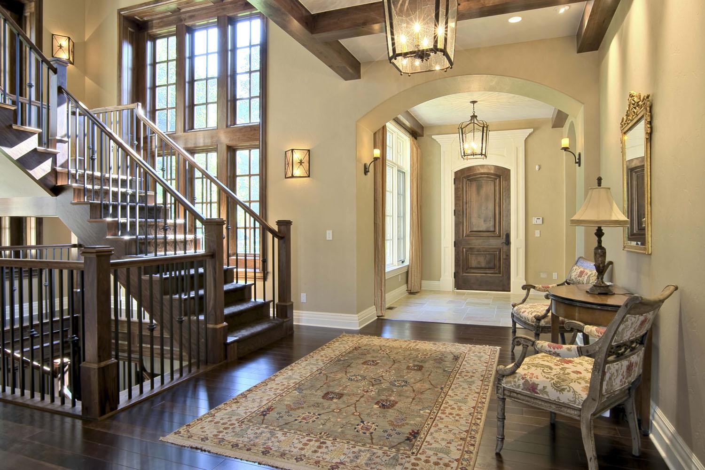 Лестница в интерьере частного дома