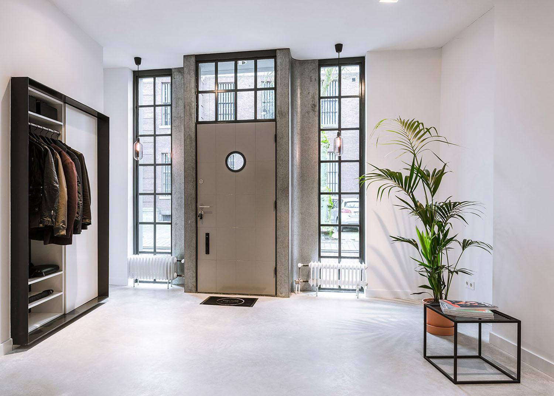 Дизайн входных дверей в квартиру