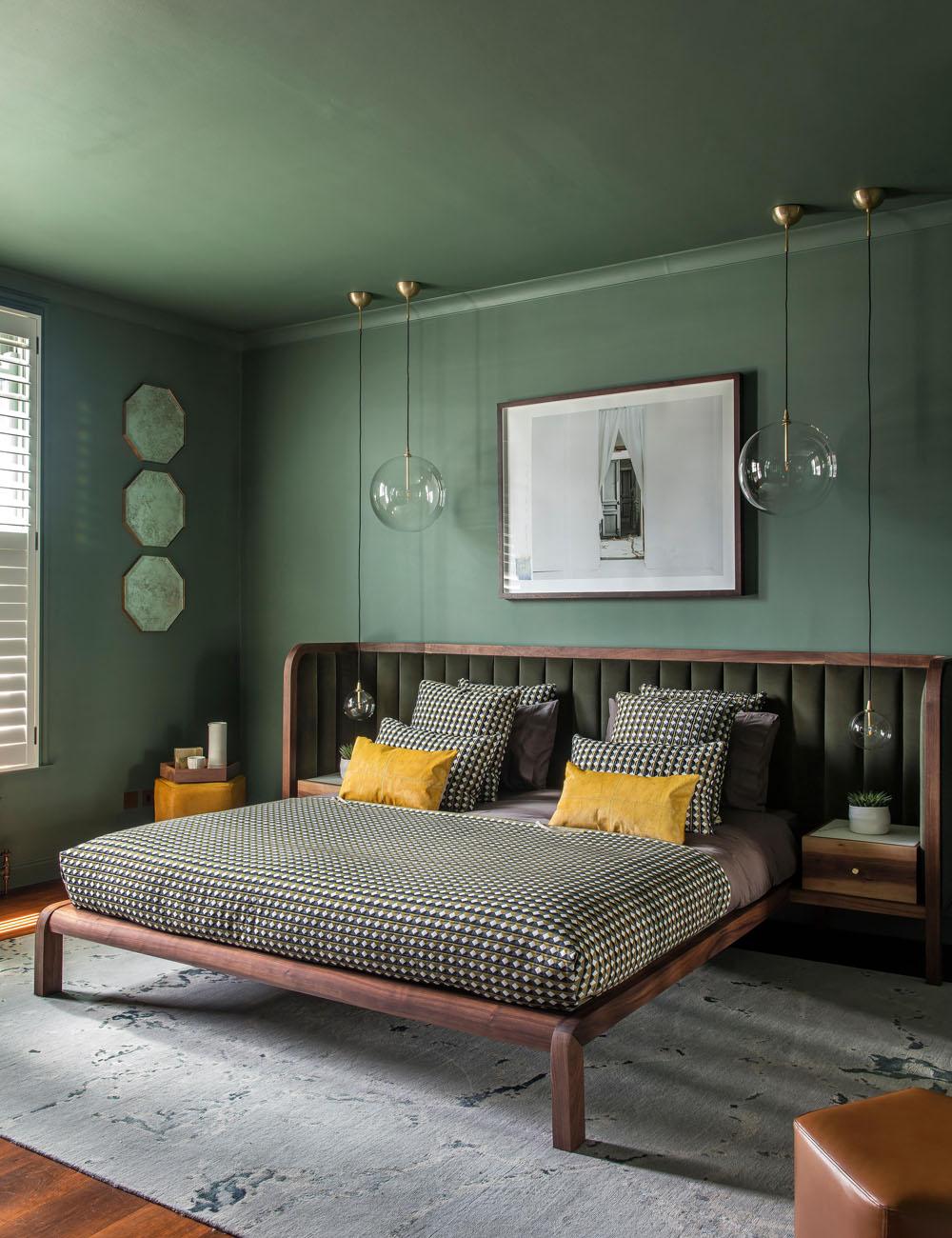 Спальня в зелёных оттенках