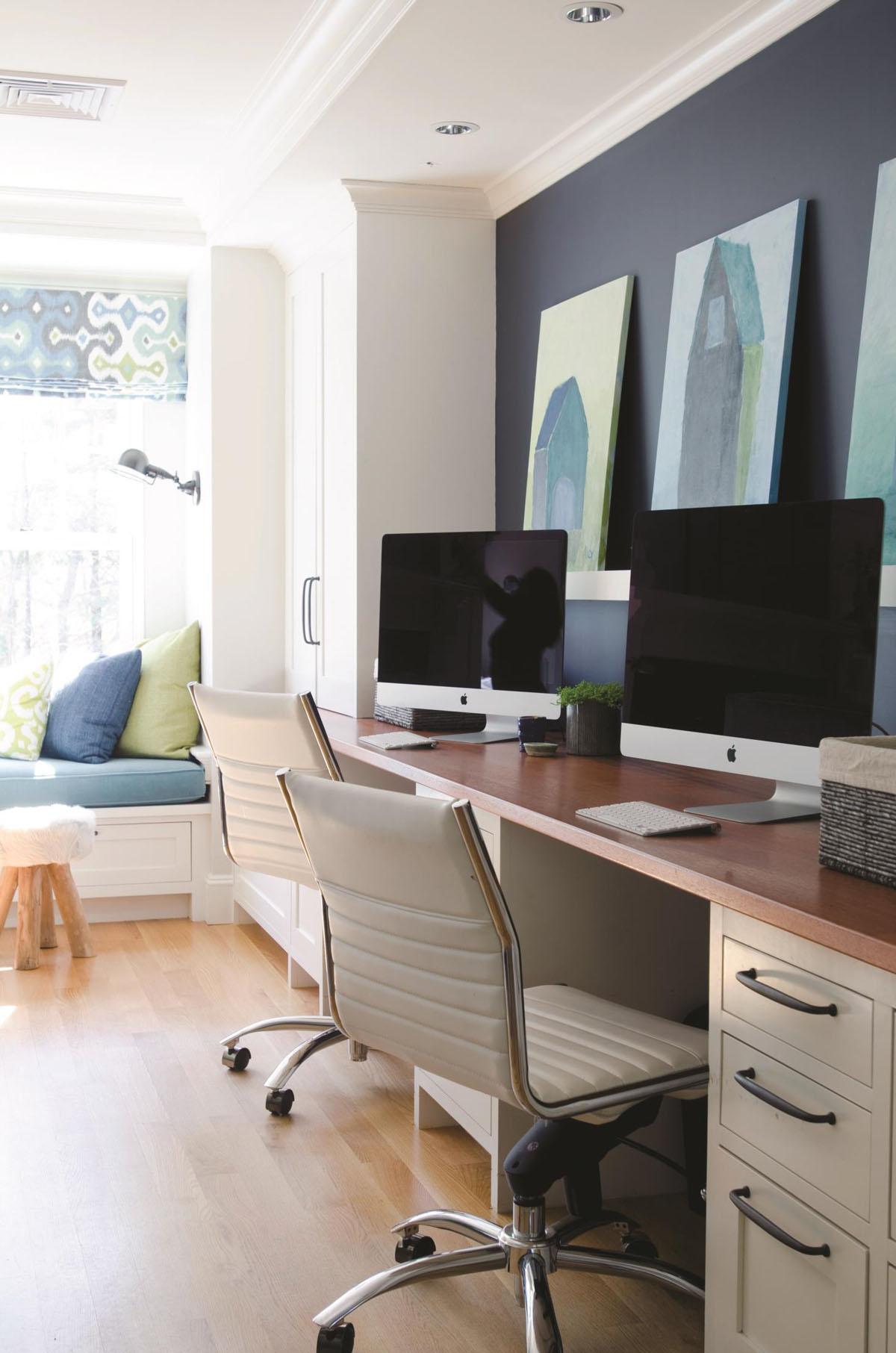 Интерьер с компьютерным столом