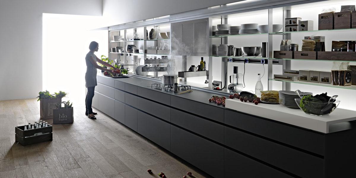 Дизайн кухни с открытыми полками