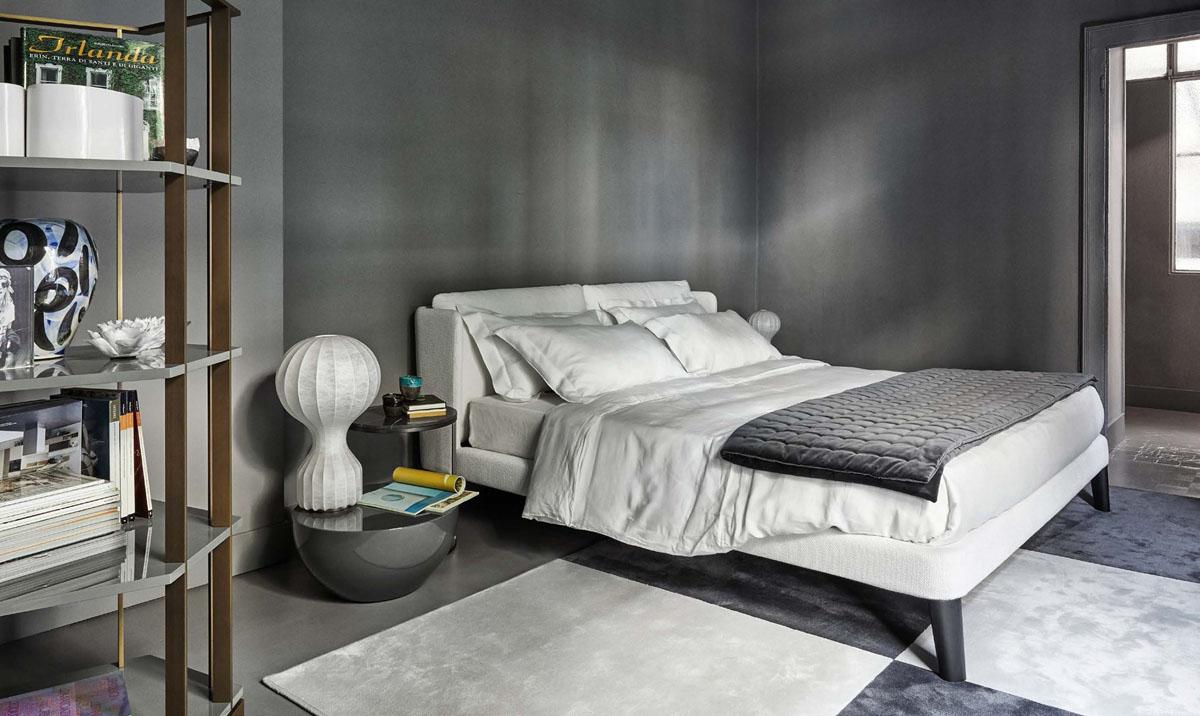 Кровать или диван для спальни