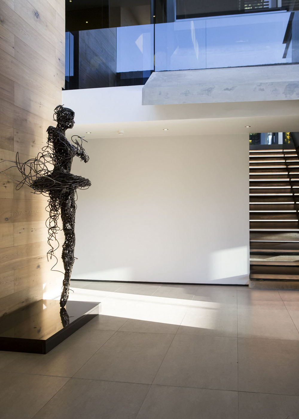 Скульптуры в интерьере квартиры